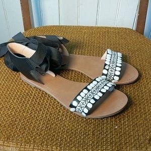 Mix no. 6 Vincey tie Aztec black white sandals 6.5